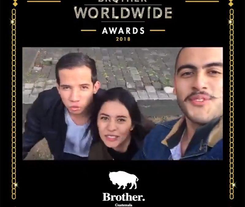 Alumnos de Brother Guatemala se ganan beca